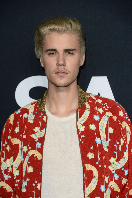 """""""Sorry"""" to utwór Justina Biebera z jego najnowszej płyty """"Purpose"""". Znani aktorzy i wokaliści zmierzyli się z interpretacją tekstu piosenki. Zobaczcie, jak im poszło!"""