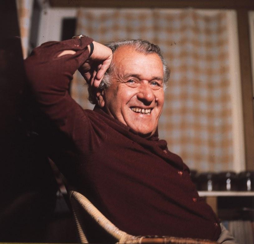 """Świetny aktor, dobry człowiek, przepiękna osobowość. Życie miał fascynujące, ale i tragiczne. Dla wielu z nas Wacław Kowalski zawsze już pozostanie Pawlakiem z """"Samych swoich"""" i Popiołkiem z serialu """"Dom""""."""