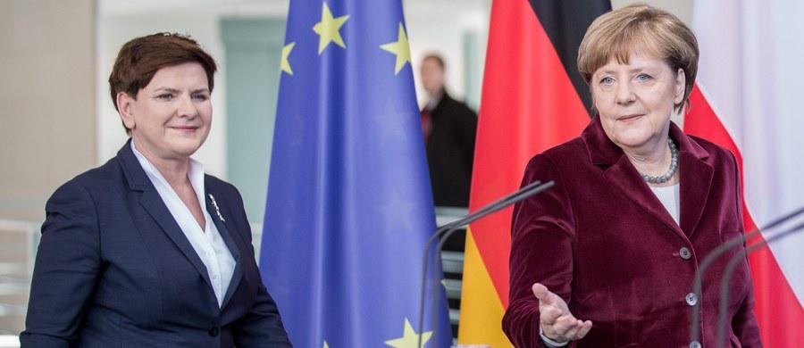 """Chcemy podtrzymywać i rozwijać współpracę oraz dobre relacje z Niemcami - zadeklarowała szefowa rządu Beata Szydło po rozmowie z kanclerz Niemiec Angelą Merkel w Berlinie. Najważniejsze, żebyśmy razem wspólnie dążyli do umacniania UE - dodała. Szydło podziękowała Merkel za przyjęcie i bardzo dobrą rozmowę. Jej zdaniem spotkanie jest """"wstępem do bardzo dobrych relacji w przyszłości""""."""