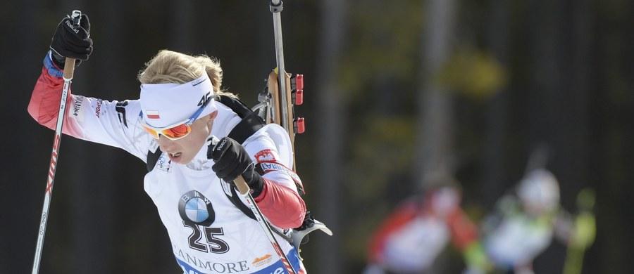 Krystyna Guzik zajęła czwarte miejsce w biegu na dochodzenie na 10 km biathlonowego Pucharu Świata. Magdalena Gwizdoń była 15. Triumfowała liderka klasyfikacji generalnej cyklu Czeszka Gabriela Soukalova, najlepsza także w czwartkowym sprincie na 7,5 km.