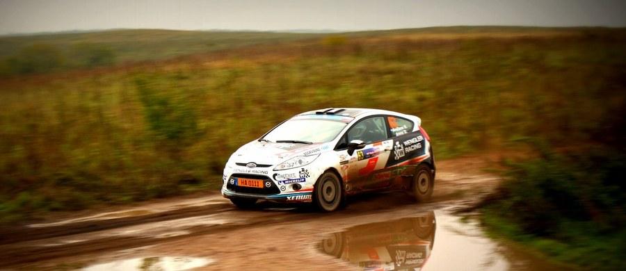 Sebastien Ogier (VW Polo WRC) prowadzi po drugim dniu Rajdu Szwecji – drugiej rundzie mistrzostw świata. Francuz ma ponad 15 sekund przewagi nad drugim Haydenem Paddonem z zespołu Hyundai i20 WRC.