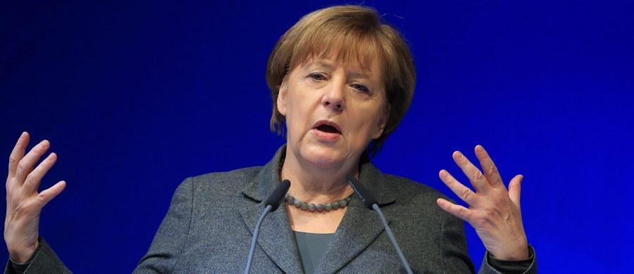 Kanclerz Angela Merkel zaapelowała do Niemców o cierpliwość wobec prowadzonej przez jej rząd polityki migracyjnej. Niemcy są już zmęczeni rekordowym napływem imigrantów, a narastająca frustracja wyborców może zaszkodzić partii Merkel w marcowych wyborach regionalnych.