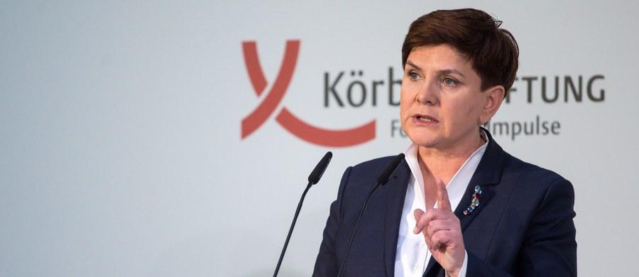 W poniedziałek premier Beata Szydło uda się do Pragi na spotkanie liderów Grupy Wyszehradzkiej. Państwa V4 mają wypracować wspólne stanowisko m.in. w sprawie negocjacji UE z Londynem i kwestii migracji.