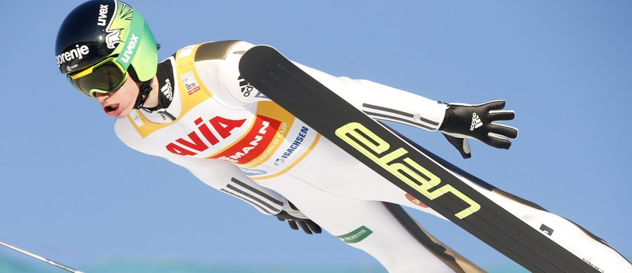 Piotr Żyła zajął 12. miejsce w konkursie Pucharu Świata w lotach narciarskich w norweskim Vikersund. Uzyskał 216 m w pierwszej i 228 m w drugiej serii i był najlepszy z Polaków. Zwyciężył lider klasyfikacji generalnej cyklu Słoweniec Peter Prevc.