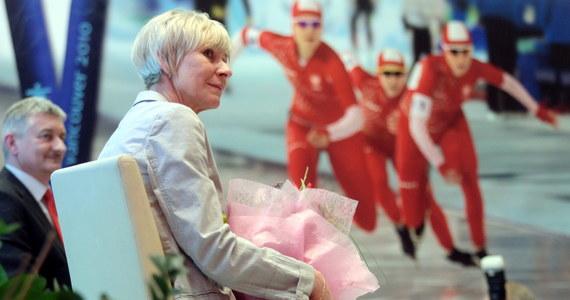 """""""Świat nam ucieka, mamy ciężej"""" - mówi w RMF FM Ewa Białkowska, szefowa wyszkolenia w polskim związku łyżwiarstwa szybkiego. Nasz reporter porozmawiał z byłą znakomitą panczenistką zaraz po przyjeździe z mistrzostw świata w Kołomnie."""