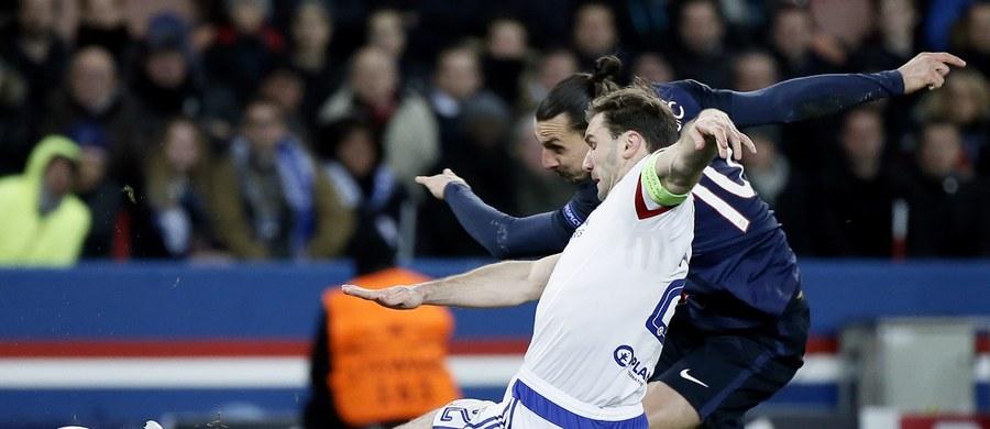 Paris Saint Germain pokonało u siebie Chelsea Londyn 2:1 (1:1), a Benfica Lizbona wygrała z Zenitem Sankt Petersburg 1:0 (0:0) w pierwszych meczach 1/8 finału Ligi Mistrzów. Takie rezultaty przybliżają te drużyny do awansu, ale jednocześnie gwarantują duże emocje w rewanżach.
