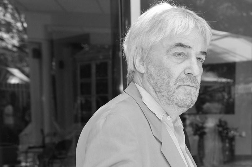 Andrzej Żuławski, wybitny reżyser, scenarzysta i aktor, nie żyje. Twórca zmarł w szpitalu na oddziale intensywnej terapii. Od kilku lat walczył z chorobą nowotworową. Miał 75 lat.