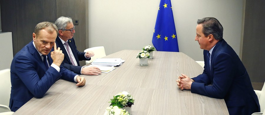 Przywódcy unijni osiągnęli postęp w negocjacjach ws. warunków dalszego członkostwa Wielkiej Brytanii w Unii Europejskiej, ale wciąż pozostaje wiele do zrobienia – tak szef Rady Europejskiej Donald Tusk podsumował pierwszy dzień rozmów na ten temat. Negocjacje przerwano przed godz. 3 w nocy. Rozpoczęły się natomiast dwustronne spotkania reprezentantów państw Wspólnoty.