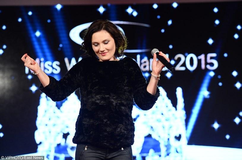 """Pamiętana z pierwszej edycji """"The Voice of Poland"""" wokalistka Monika Urlik przypomina się nową piosenką """"Vintage Song""""."""