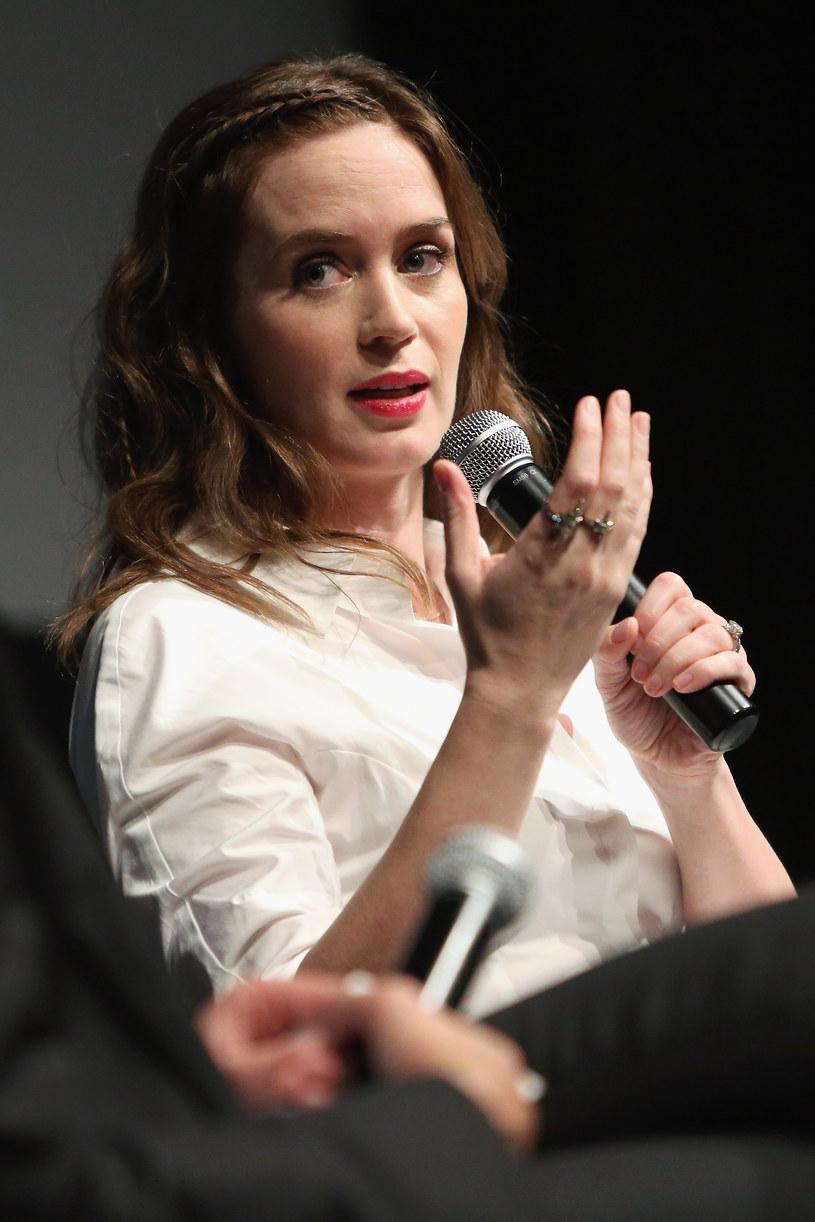 Emily Blunt zagra prawdopodobnie Marry Poppins w disnejowskim sequelu filmu. Decyzja o zatrudnieniu aktorki nie została jeszcze podjęta.