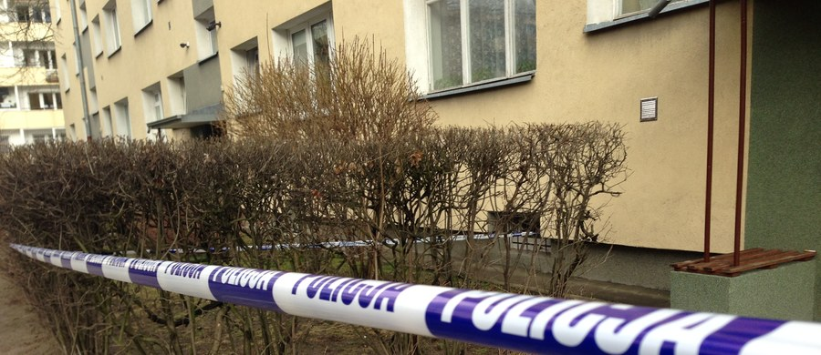 Kolejna makabryczna zbrodnia w Warszawie. Jak dowiedzieli się reporterzy RMF FM, w mieszkaniu przy ulicy Długosza policja znalazła głowę kobiety. Wcześniej do funkcjonariuszy z komendy na Żytniej zgłosił się mężczyzna, który poinformował, że dokonał zabójstwa.