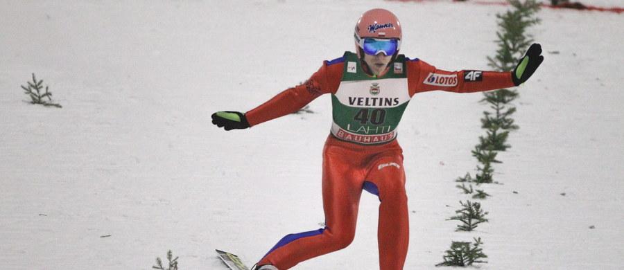 Dawid Kubacki zajął 11. miejsce w niedzielnym konkursie Pucharu Świata w skokach narciarskich w fińskim Lahti. Zwyciężył Austriak Michael Hayboeck. Drugi był Niemiec Karl Geiger, a trzeci Japończyk Taku Takeuchi. Klemens Murańka uplasował się na 28., a Stefan Hula 30. miejscu.