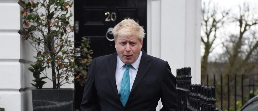 Mer Londynu Boris Johnson ogłosił w niedzielę, że zaangażuje się w kampanię na rzecz wyjścia Wielkiej Brytanii z Unii Europejskiej wbrew premierowi Davidowi Cameronowi, który zapowiedział, że będzie rekomendował pozostanie we wspólnocie. Referendum w tej sprawie odbędzie się 23 czerwca.