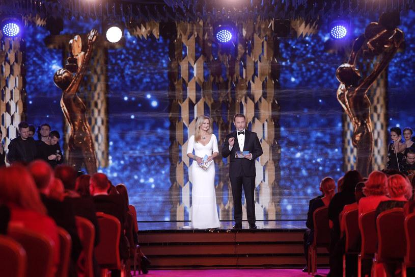 Gala Telekamer Tele Tygodnia odbędzie się w poniedziałek, 22 lutego, w Teatrze Polskim w Warszawie o godz. 20.05 i będzie w całości transmitowana na żywo przez TVP2. Zostaną wręczone statuetki w 11 kategoriach plebiscytowych, 6 złotych Telekamer oraz Telekamera Specjalna.