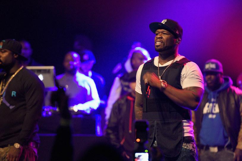Sąd badający sprawę bankructwa Curtisa Jacksona bacznie przygląda się nie tylko finansom rapera, ale również jego zdjęciom na profilach społecznościowych. Podejrzenie wymiaru sprawiedliwości wzbudziły fotografie, na których 50 Cent pozował z górą pieniędzy już po złożeniu wniosku o bankructwo.