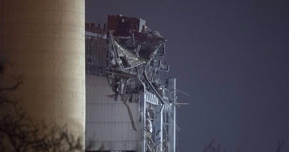 Na terenie nieczynnej elektrowni w Didcot w środkowej Anglii trwają poszukiwania trzech osób uznanych za zaginione po wczorajszym zawaleniu się budynku zakładu. Obiekt został zamknięty w 2013 roku. W wypadku zginęła jedna osoba. Kilka zostało rannych.