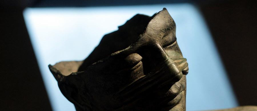 Dzieła Igora Mitoraja zostaną wystawione na terenie wykopalisk archeologicznych w Pompejach na południu Włoch - poinformował zarząd tego zabytkowego obszaru. Na retrospektywie dzieł polskiego artysty będzie można obejrzeć 28 jego monumentalnych rzeźb. Ekspozycja będzie otwarta od 15 maja do 8 stycznia 2017 roku.