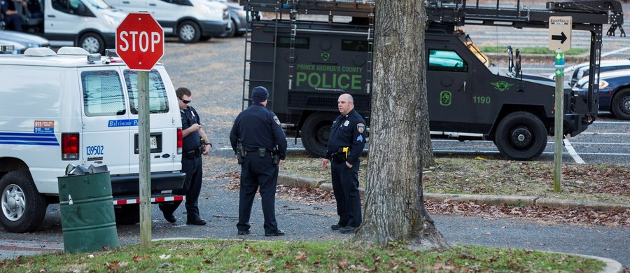 Co najmniej 4 osoby zginęły, a około 20 zostało rannych w strzelaninie w Hesston, w amerykańskim stanie Kansas. Po ulicach jeździł tam mężczyzna, który strzelał do przypadkowych osób. Policjanci zabili sprawcę.
