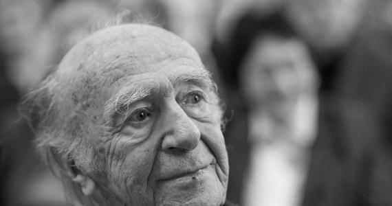 Wybitny tłumacz, propagator kultury polskiej w Niemczech, orędownik pojednania polsko-niemieckiego Karl Dedecius zmarł w piątek we Frankfurcie nad Menem - poinformował dziś Niemiecki Instytut Kultury Polskiej, którego Dedecius był założycielem.
