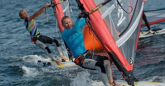 Małgorzata Białecka (SKŻ Ergo Hestia Sopot) wywalczyła w Izraelu złoty medal mistrzostw świata w windsurfingowej klasie RS:X! Dzień wcześniej krążek tego samego koloru zapewnił sobie Piotr Myszka (AZS AWFiS Gdańsk). Oboje szykują się do igrzysk olimpijskich.