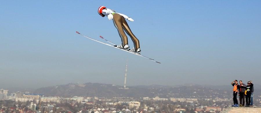 Słoweniec Peter Prevc wygrał w kazachskich Ałmatach zawody Pucharu Świata w skokach narciarskich i umocnił się na prowadzeniu w klasyfikacji generalnej. Bardzo słabo wypadli Polacy. Spośród sześciu naszych reprezentantów do serii finałowej zakwalifikował się tylko Dawid Kubacki, który ostatecznie zajął 30. miejsce.