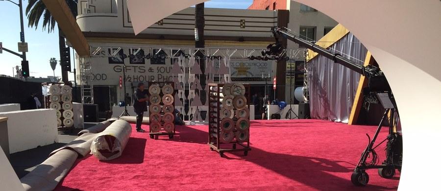 Reklamodawcy z duszą na ramieniu czekają na oscarowy wieczór. Nie wiadomo bowiem, jak duża część widowni może zbojkotować transmisję w związku z tym, że wśród 20 nominowanych aktorów znów nie ma ani Afroamerykanów, ani Latynosów.