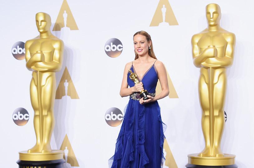 """Brie Larson była jedną z największych wygranych 88. ceremonii rozdania Oscarów. To właśnie do niej trafiła statuetka w kategorii najlepsza aktorka pierwszoplanowa za rolę w filmie """"Pokój"""". Być może jednak nie wszyscy wiedzą, że aktorka zaczynała jako pop-punkowa wokalistka."""
