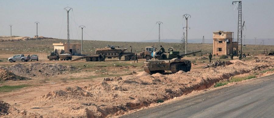 Państwowa syryjska agencja prasowa poinformowała, że pociski moździerzowe wystrzelone z terytorium Turcji lekko raniły w północnej Syrii kilku zagranicznych dziennikarzy. Według informacji rosyjskiego resortu obrony, pochodzą one z Chin, Kanady, Bułgarii i Rosji.
