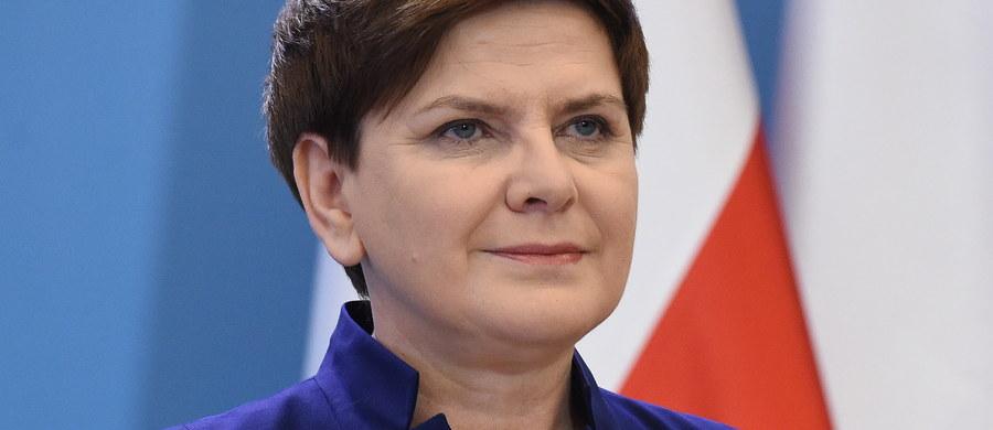 """Gazeta """"The Wall Street Journal"""" krytycznie pisze o zmianach w Polsce. Gazeta twierdzi, że spór między Polską, a Stanami Zjednoczonymi może doprowadzić do tego, że plan zwiększenia obecność NATO w Polsce nie dojdzie do skutku."""
