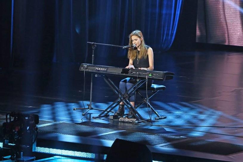 Z nowym jurorem (Tymon Tymański) drugą dziesiątkę rozpoczął najdłużej emitowany bez przerwy muzyczny talent show. Wielkich nowości w pierwszym odcinku jednak nie zobaczyliśmy.