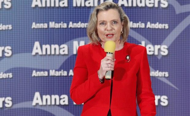Kandydatka PiS Anna Maria Anders zdobyła mandat senatora w wyborach uzupełniających w okręgu nr 59, obejmującym część województwa podlaskiego - poinformowała nad ranem Okręgowa Komisja Wyborcza w Białymstoku. Na Anders oddano 30 661 głosów (47,26 proc.). Drugi wynik miał Mieczysław Bagiński - kandydat PSL, popierany też przez PO i Nowoczesną, który zdobył 26 618 głosów (41,03 proc.)
