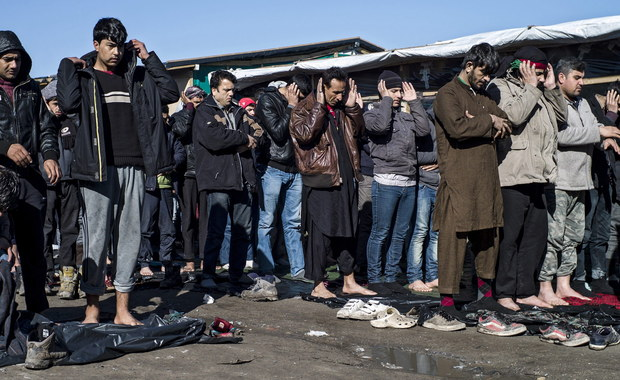 W Brukseli dziś nadzwyczajny szczyt Unia Europejska – Turcja, który ma doprowadzić do porozumienia z Ankarą i powstrzymania przewidywanej na wiosnę kolejnej fali uchodźców. Jak dowiedziała się nasza dziennikarka Katarzyna Szymańska-Borginon, Polska zadeklaruje na szczycie dodatkowe wsparcie dla  unijnej agencji ds. zarządzania granicami zewnętrznymi Frontex oraz dla agencji ds. azylu EASO. Chodzi o wzmocnienie granicy zewnętrznej Unii Europejskiej, głownie Grecji, Włoch i Słowenii.