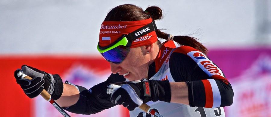Norweżka Maiken Caspersen Falla wygrała sprint techniką klasyczną w zawodach narciarskiego Pucharu Świata w Canmore. Wśród mężczyzn we wtorek najlepszy był Włoch Federico Pellegrino. Justyna Kowalczyk odpadła w półfinale, a Maciej Staręga w ćwierćfinale.