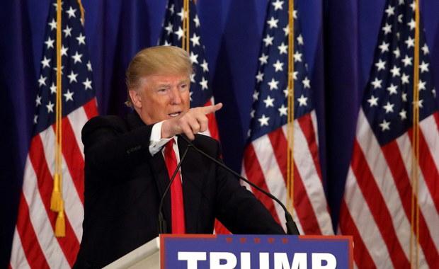Donald Trump umocnił swoją pozycję faworyta w wyścigu o nominację Partii Republikańskiej (GOP) w wyborach prezydenckich, wygrywając prawybory w dużym stanie Michigan. Kontrowersyjny miliarder zwyciężył również w prawyborach w Missisipi. Według niepełnych jeszcze wyników w obu tych stanach Trump zdecydowanie wyprzedził trzech pozostałych pretendentów ubiegających się o nominację Partii Republikańskiej.