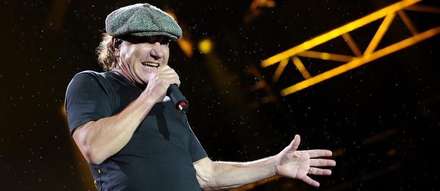 Dyrektor Światowego Centrum Słuchu w Kajetanach, prof. Henryk Skarżyński zaprosił wokalistę australijskiego zespołu AC/DC Briana Johnsona na konsultację i diagnostykę w swoim ośrodku. 68-letni wokalista Brian Johnson przerwał trasę koncertową w USA w związku z pogarszającym się słuchem.