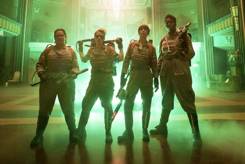 """Film """"Ghostbusters: Pogromcy duchów"""" w reżyserii Paula Feiga trafi na ekrany kin dopiero 15 lipca 2016, dystrybutor obrazu udostępnił już jednak polski zwiastun produkcji."""