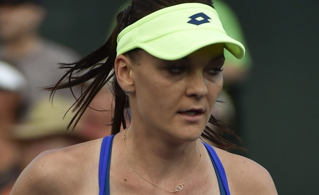 Agnieszka Radwańska pokonała w trzeciej rundzie Rumunkę Monicę Niculescu 6:2, 6:1 i awansowała do 1/8 finału tenisowego turnieju WTA Premier na kortach twardych w amerykańskim Indian Wells (pula nagród 6,135 mln dol.).