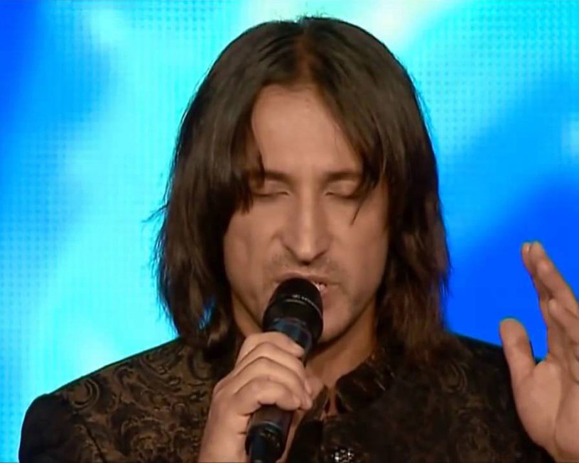"""Ukrainiec Giennadij Tkaczenko-Papizh zachwycił jurorów gruzińskiego """"Mam Talent"""" swoim śpiewem imitującym dźwięki ziemi."""