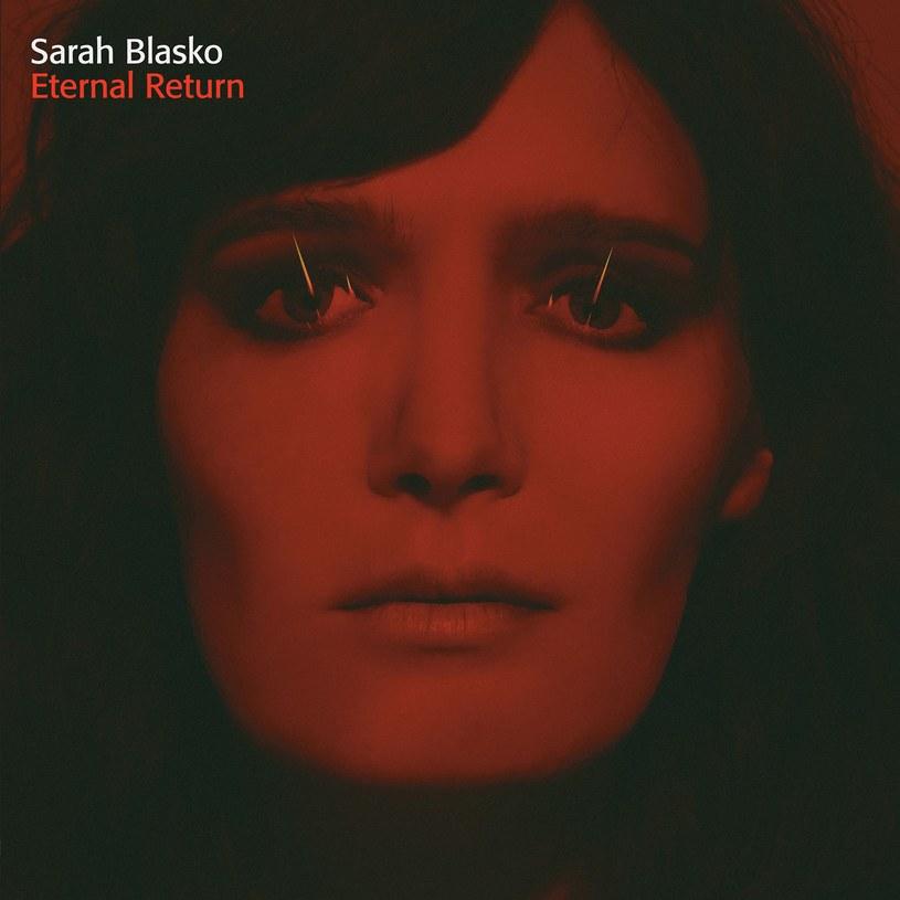 """""""Eternal Return"""" to piąty album w karierze australijskiej wokalistki Sary Blasko, który w Polsce ukazał się 11 marca. Płytę promuje  singel """"I Wanna Be Your Man"""". W warstwie muzycznej album zawiera odwołania do retro-dźwięków inspirowanych starymi syntezatorami."""