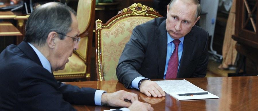 Pierwsze rosyjskie samoloty wyleciały z Syrii do baz lotniczych w kraju - podało ministerstwo obrony Rosji. Wcześniej informowało o rozpoczęciu przygotowań do nakazanego przez prezydenta Władimira Putina wycofania z Syrii głównych sił lotniczych.