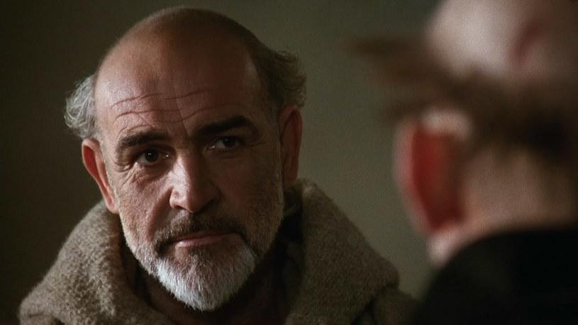 """Włoska telewizja publiczna RAI przygotowuje serial na podstawie słynnej powieści """"Imię róży"""" Umberto Eco, który zmarł 19 lutego. Kierownictwo firmy ujawniło, że pisarz był zaangażowany w prace nad serialem i poznał projekt poszczególnych odcinków."""