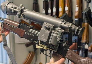 """Gdynia: 3 Holendrów arabskiego pochodzenia próbowało kupić broń. """"Chcieli, żebyśmy wymazali numery"""""""