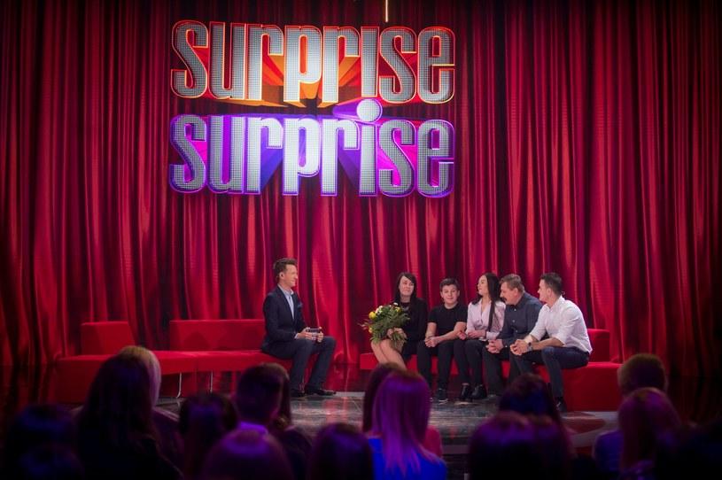 """Telewizja Polsat postanowiła zawiesić emisję programu """"Surprise, surprise"""". W najbliższą sobotę, 19 marca, widzowie mieli obejrzeć dopiero drugi odcinek."""