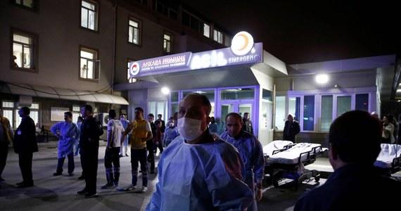 Zbrojne ugrupowanie Sokoły Wolności Kurdystanu (TAK) przyznało się na swojej stronie internetowej do przeprowadzenia niedzielnego samobójczego zamachu bombowego w centrum Ankary. W ataku zginęło 37 osób. Ponad 120 zostało rannych.