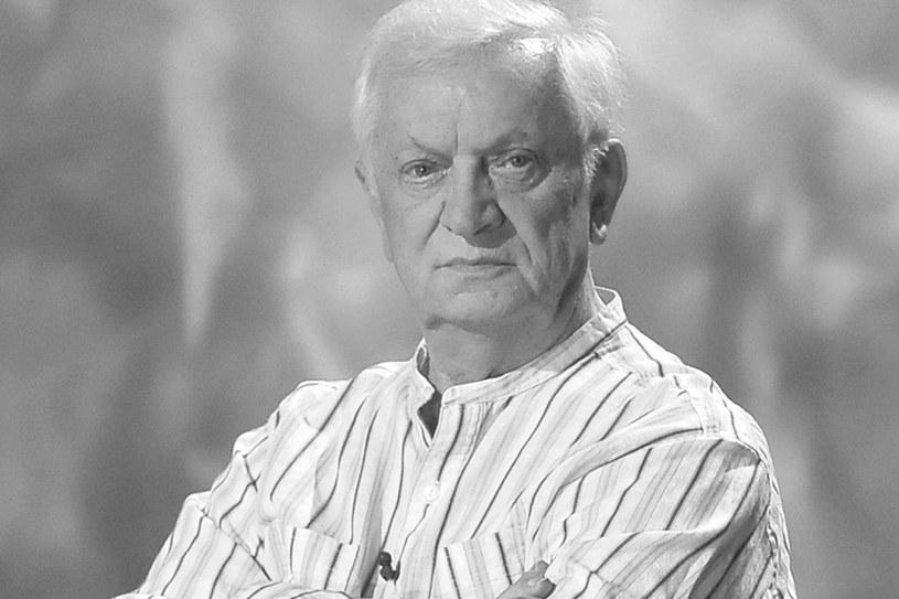 """Jeden z najwybitniejszych polskich aktorów filmowych i teatralnych Marian Kociniak, znany m.in. z niezapomnianej roli Franka Dolasa w słynnej komedii """"Jak rozpętałem drugą wojnę światową"""", zmarł w czwartek, 17 marca, nad ranem w jednym z warszawskich szpitali. Artysta w ostatnim czasie chorował. Miał 80 lat."""