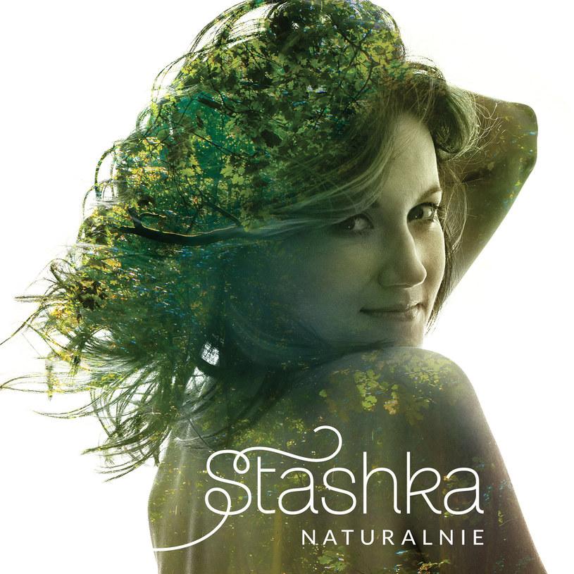 """18 marca ukaże się zapowiadany już przez nas debiutancki pełnometrażowy album Stashki. Płyta nosi tytuł """"Naturalnie"""".."""