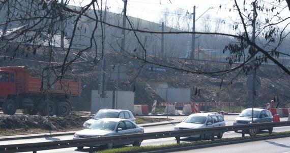 W przyszłym tygodniu krakowscy drogowcy zmienią organizację ruchu na ulicach prowadzących do feralnego skrzyżowania ulic Wielickiej i Powstańców Śląskich. Od początku tego tygodnia trwa tam remont, który powoduje w Krakowie  gigantyczne korki.