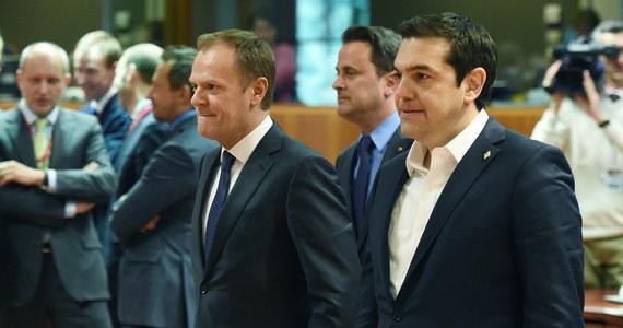 Przywódcy unijnych państw zebrani na szczycie w Brukseli twierdzą, że wypracowali podstawę do negocjacji z Turcją o planie współpracy, który ma zahamować falę migracji. Na dziś zaplanowano rozmowy z tureckim premierem Ahmetem Davutoglu. Od ich przebiegu zależeć będzie to, czy plan zostanie przyjęty.
