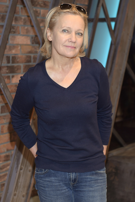 Zamykanie się w czterech ścianach to wydanie wyroku na siebie - uważa Maria Pakulnis. Zdaniem aktorki dojrzałe kobiety mają takie samo prawo do cieszenia się życiem, dbania o siebie i kariery zawodowej jak ich młodsze koleżanki. Ona sama chce pracować jak najdłużej, nie wyobraża sobie bowiem życia bez aktorstwa.
