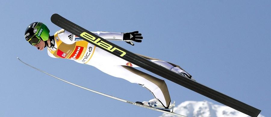 Słoweniec Peter Prevc, który zdecydowanie wygrał klasyfikację generalną Pucharu Świata w skokach narciarskich (2303 pkt), znokautował rywali także pod względem zarobków. Na jego kontro trafiło w tym sezonie 248 800 franków szwajcarskich, czyli ok. 970 tysięcy zł.